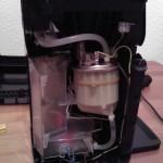 HD7860 Wassertank, Pumpe und Platinenabdeckung