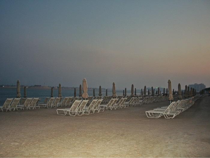 Abends war der Strand so gut wie leer, aber da lockten auch die Leckereien der Restaurants im Hotel.