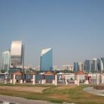 """Der """"Golfball"""" liegt auf dem Etisalat Tower und soll die globalen Kommunikations-Möglichkeiten durch Etisalat darstellen. Kunst ;)"""