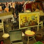 Nachtflohmarkt - Poser, Krüge und Nähkasten