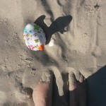 Füße im Sand mit Ludmilla