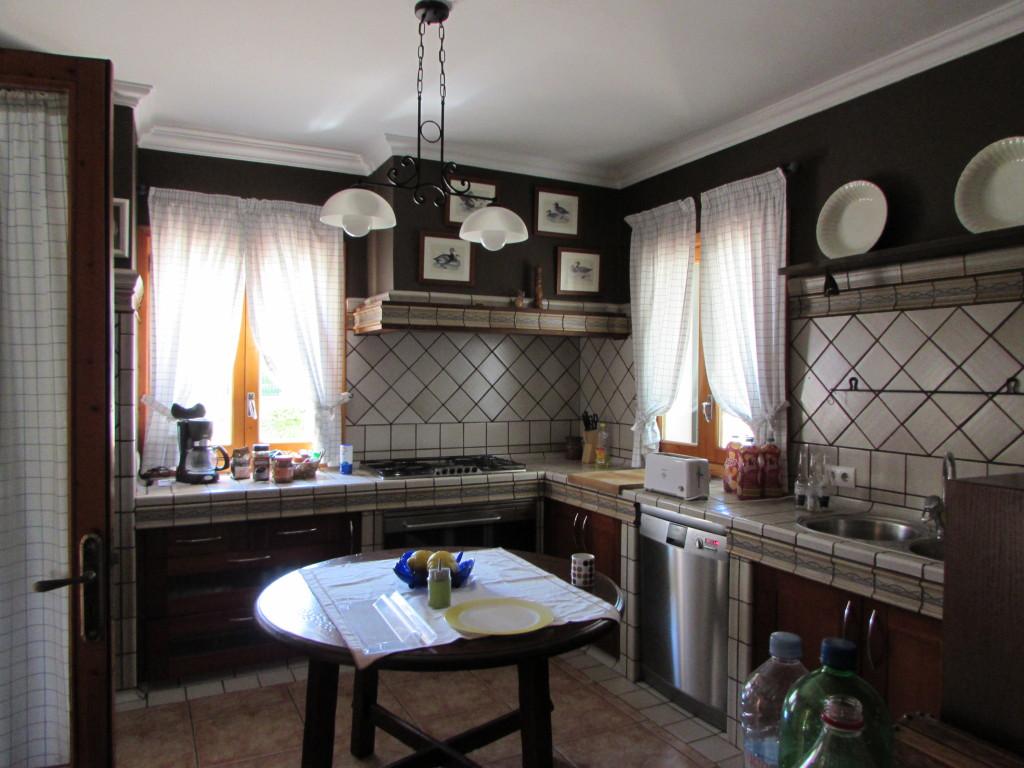 Die Küche hatte alles, was das Herz begehrte.