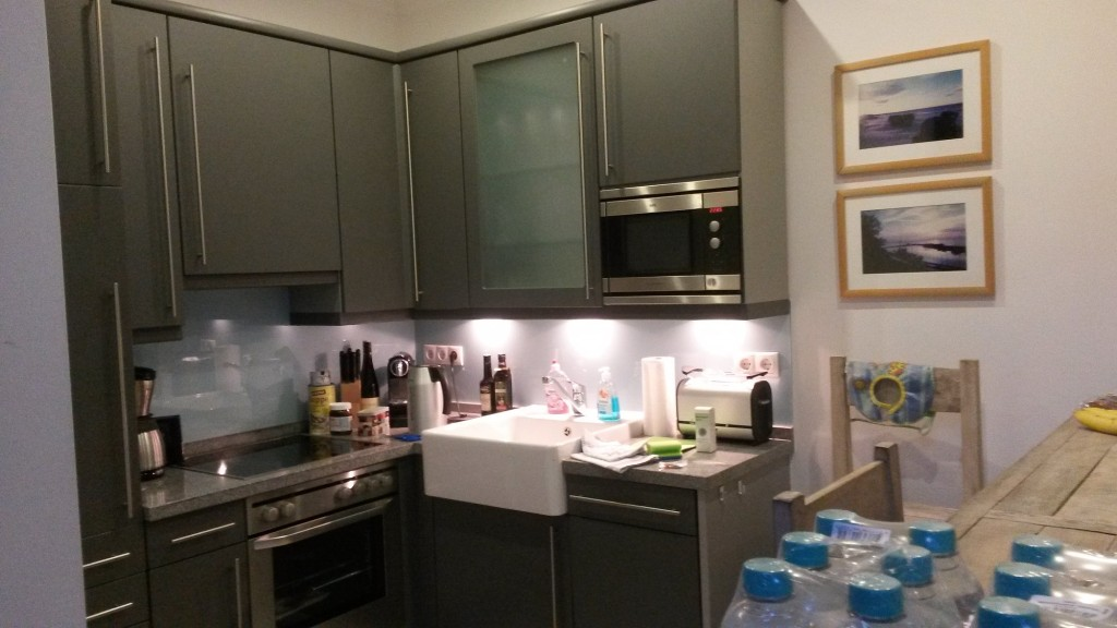 Die Küche war sehr gut ausgestattet. Aber die Spülmaschine war richtig langsam. Trotzdem besser als keine ;)