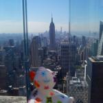 Da schaut sie sich das Empire State Building an